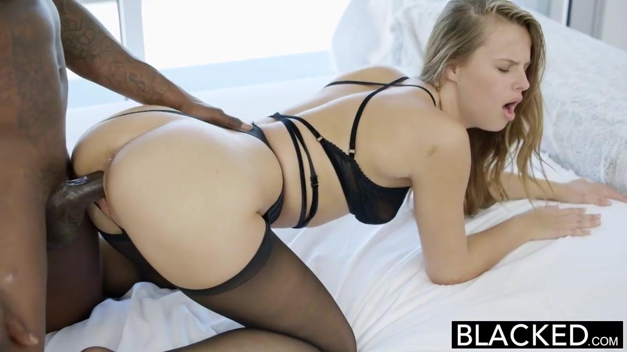 Негр выебал и она кончила порно