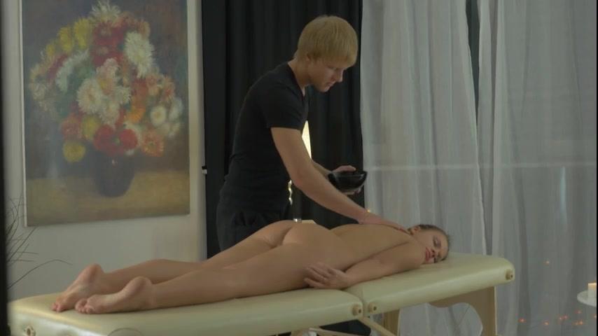 Медкомиссии порно изменила с массажистом фото