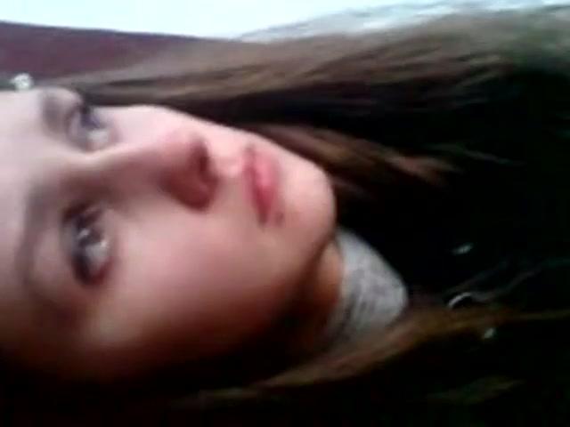 Русских девчонок трахают в подъездах — pic 13