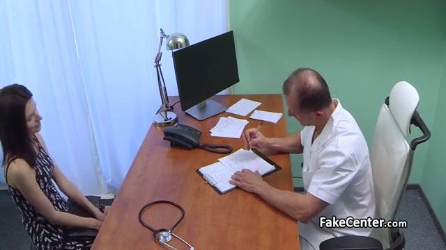 Порно видео скрытой камерой у гинеколога