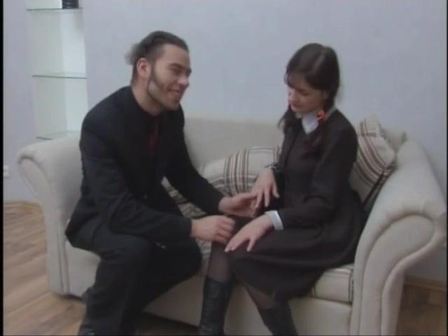 Присядках без два друга на даче дрочат видео пародия