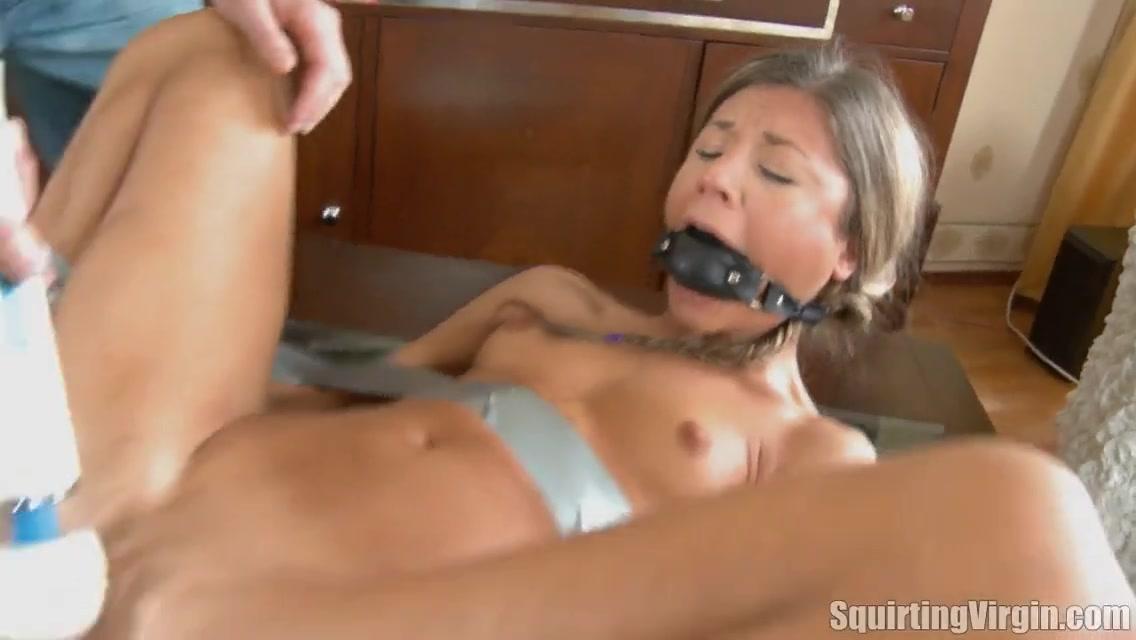 Молоденькая студентка порно видео