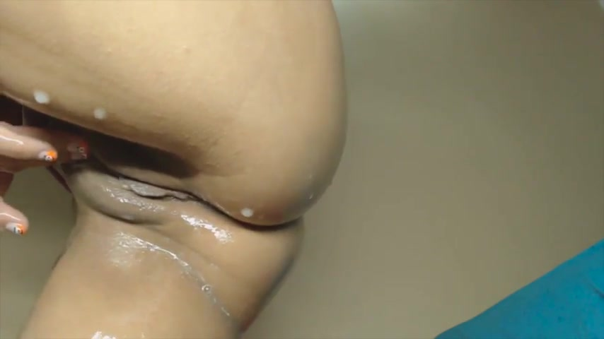 porno-video-krupnim-planom-masturbiruet-volosatuyu-pizden-smotret-onlayn