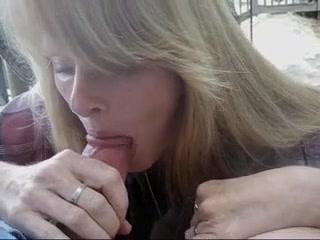 Опытная жена делает минет мужу, порно бдсм порка розгами онлайн