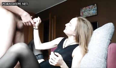 Жена с русыми волосами после минета подставила жопу для анального секса