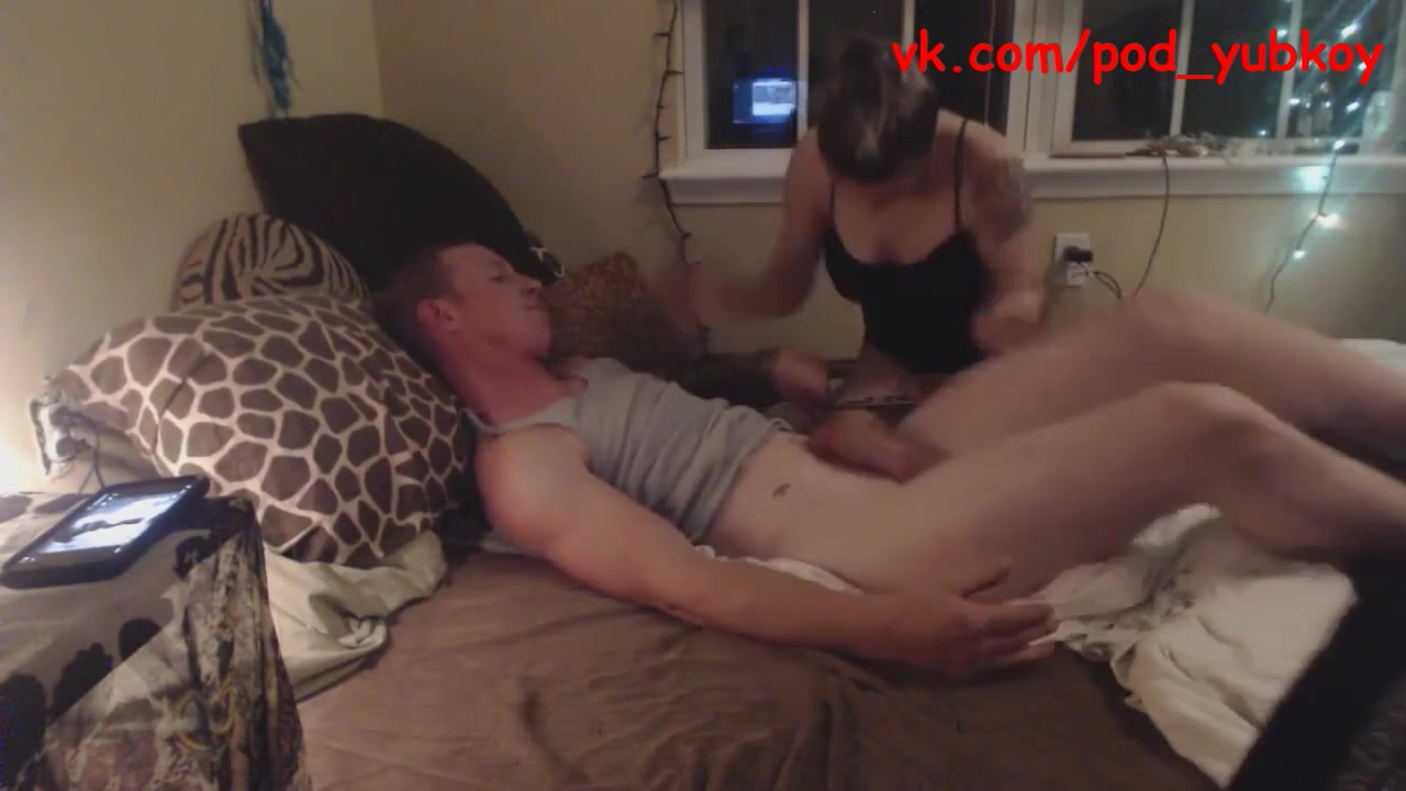 Секс видео зрелый усатый мужик