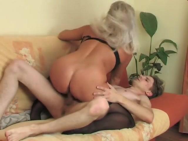Пьяная мать совращает сына видео порно