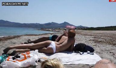 Пьяная жена сосёт хуй у мужа на пляже при людях