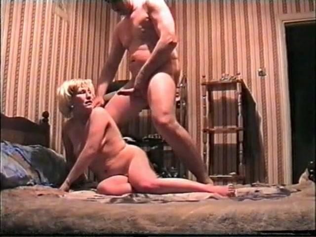 Видео подборка сосет кончил сисястых жен телочка